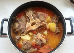 西红柿牛尾浓汤