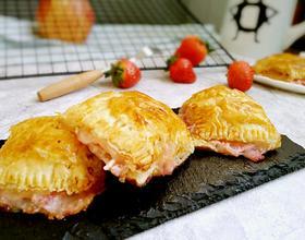 草莓奶酪派