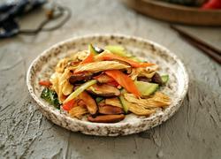 杂蔬香菇烧腐竹