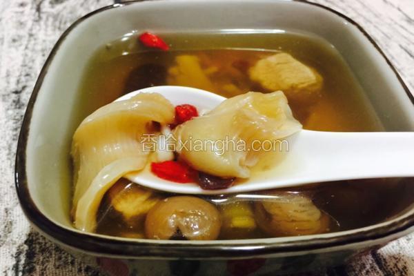 花胶瘦肉芡实桂圆汤