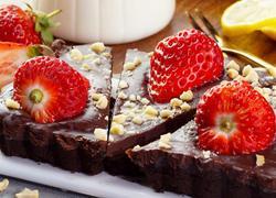 免烤草莓巧克力塔