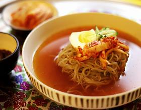 韩式醒酒版辣白菜冷面