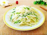 土豆丝炒韭菜的做法[图]