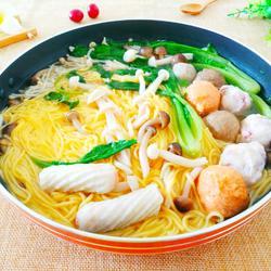 玉米面鱼丸菌汤