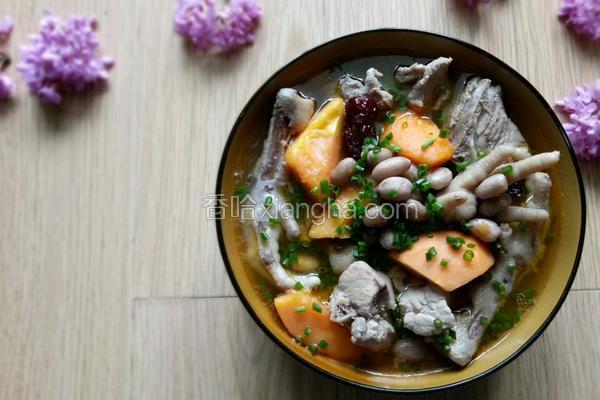 排骨鸡爪木瓜汤
