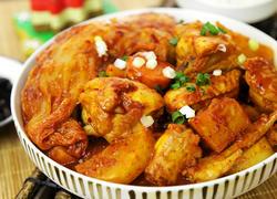 韩式辣白菜炖鸡肉块