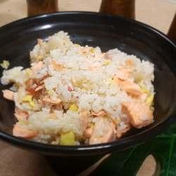 鲑鱼培根蛋焖饭