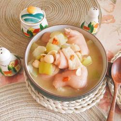 做菜技巧莲子百合竹荪猪脚冬瓜汤的做法[图]
