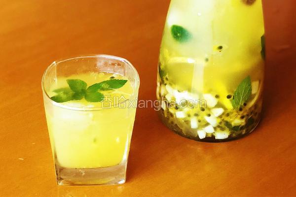 百香果柠檬饮—吹散心中的闷热