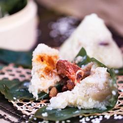 蛋黄排骨栗子粽的做法[图]