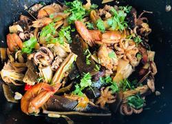 牛蛙海鲜麻辣香锅
