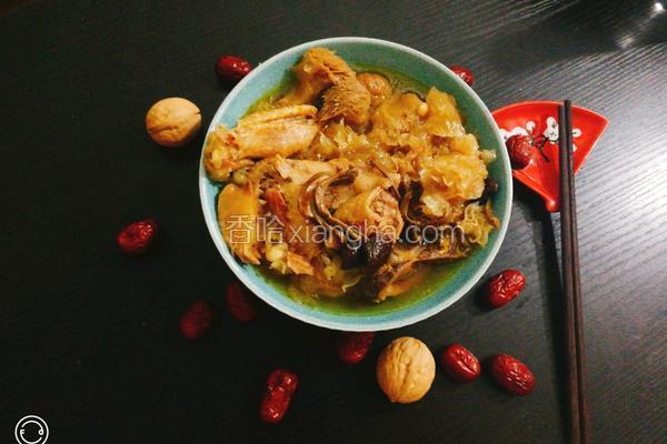 花胶松茸猴菇银耳双杏老母鸡汤