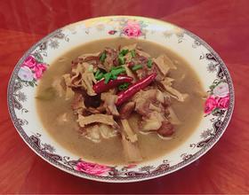 笋干子排汤(地方名菜)[图]