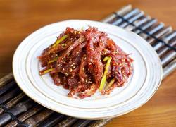 明太鱼做法有很多,辣炒的下酒最过瘾哦!