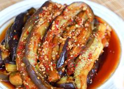 茄子是家常菜中的常客,今天介绍一款消暑吃法-拌茄条