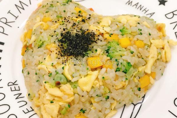 杂蔬鸡蛋酱油炒饭
