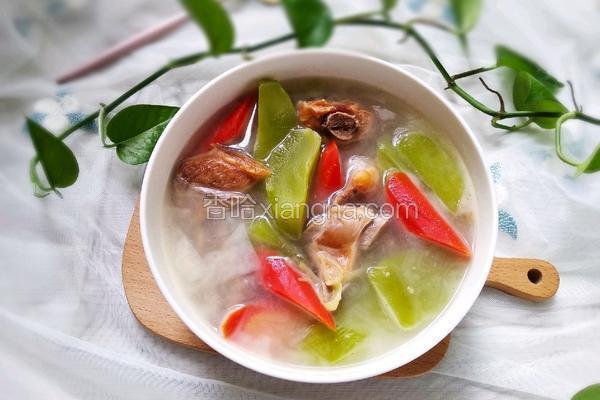 莴笋胡萝卜腊排骨汤