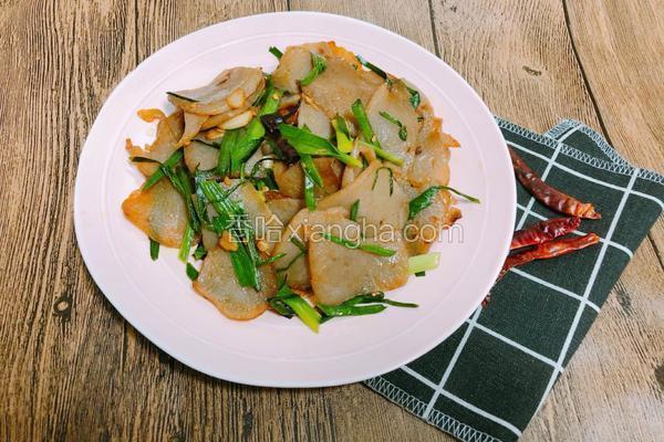 青蒜炒魔芋豆腐