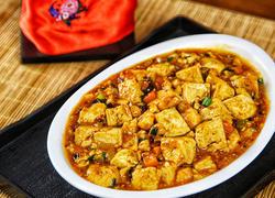 传统的麻婆豆腐加入海鲜,绝对美味极了