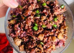 香菇五花肉豆角炒黑米饭