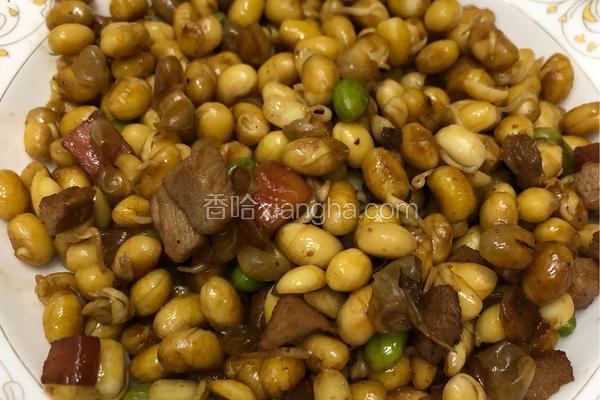 肉丁炒黄豆粒