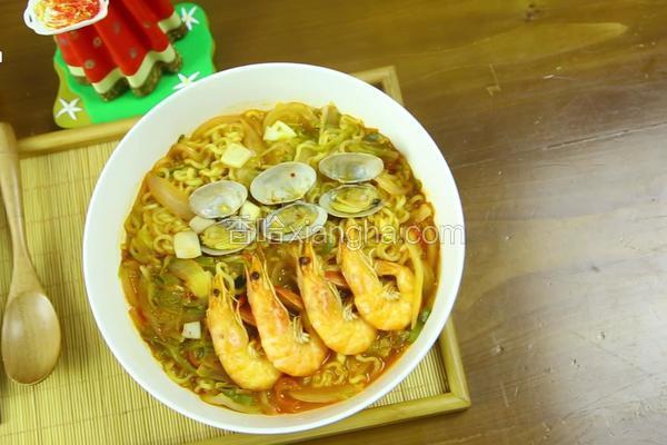 韩式辣海鲜面