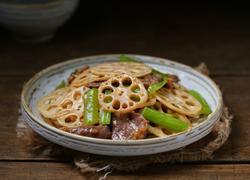 莲藕芹菜炒肉片