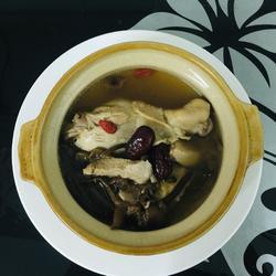 广东味~茶树菇鸡腿汤