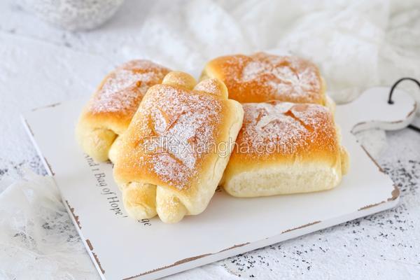 牛奶面包卷(中种法)