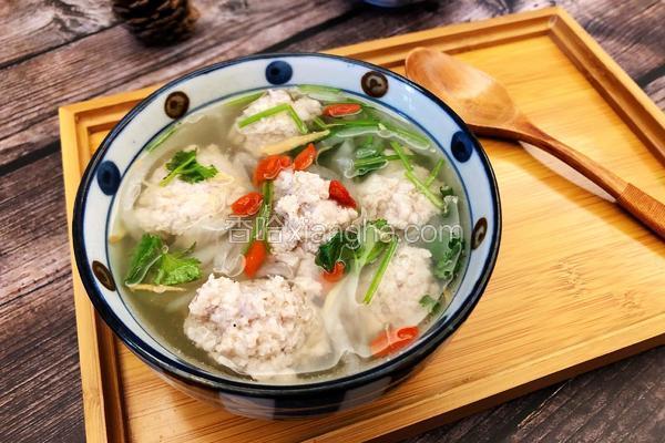 白萝卜丸子汤