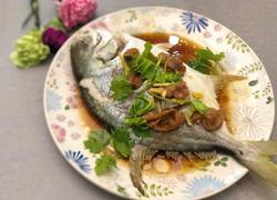 粤式-酸梅蒸金鲳鱼