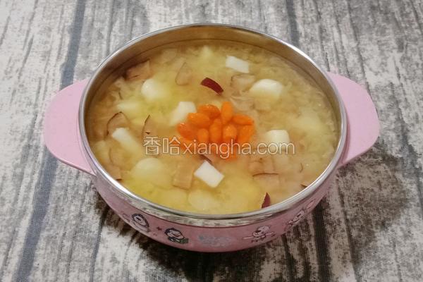 山药红枣银耳汤 (宝宝辅食)