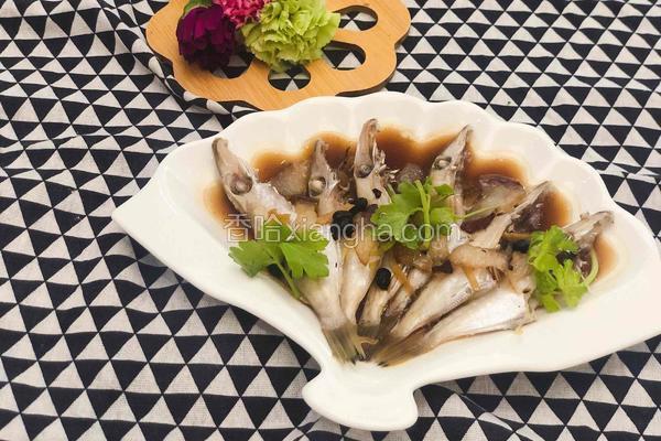 粤式-腊肉豉香蒸扒皮鱼