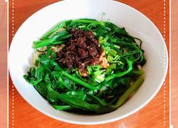 豌豆尖香菇酱拌面(香哈香菇酱)