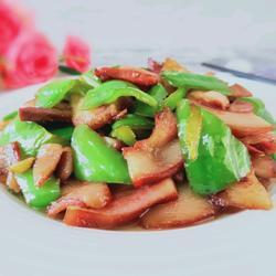 辣椒炒猪头肉