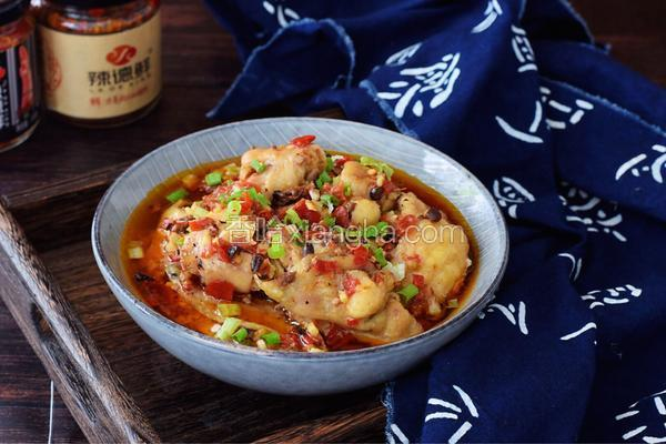 辣椒香菇酱蒸鸡肉
