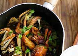 大葱肉段烧大闸蟹