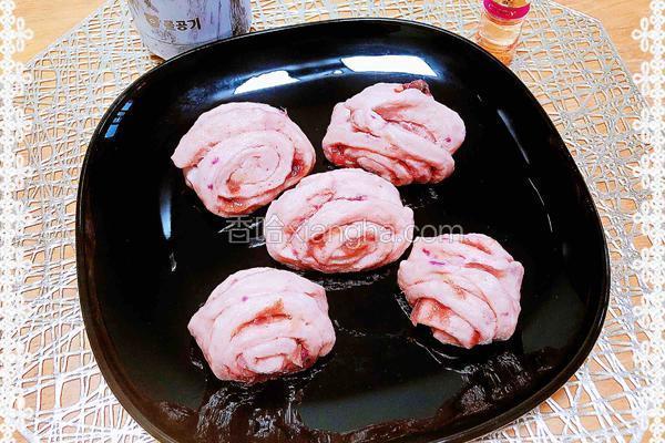 玫瑰花酿紫薯花卷