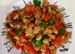 鸡胸肉鸡丁炒胡萝卜尖椒