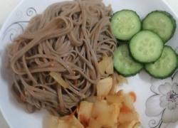 减肥餐~荞麦面条炒鸡胸肉