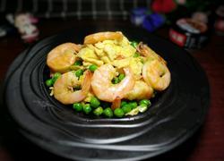 鲜虾滑蛋炒豌豆