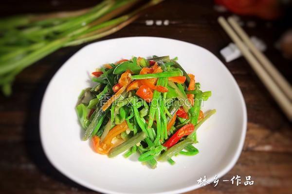 双椒炒野芹菜梗