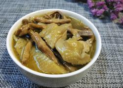 干竹笋炖土鸡