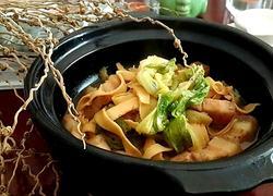 五花肉白菜干豆腐煲