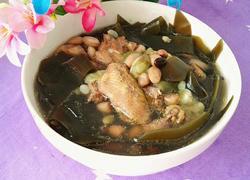 黑豆花生海带水瓜鸡汤