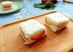 草莓牛奶小方