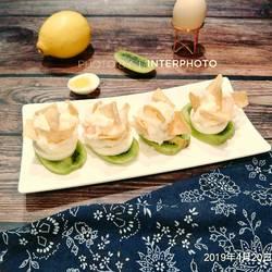 水果土豆虾仁沙拉(复鸡蛋不开裂的小窍门