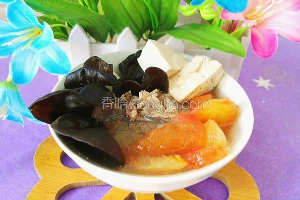 木耳豆腐番茄牛骨汤
