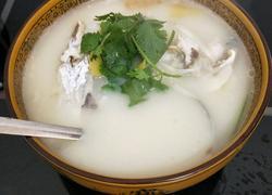 砂锅鱼头汤