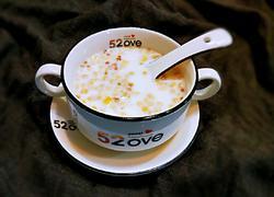 牛奶水果麦片